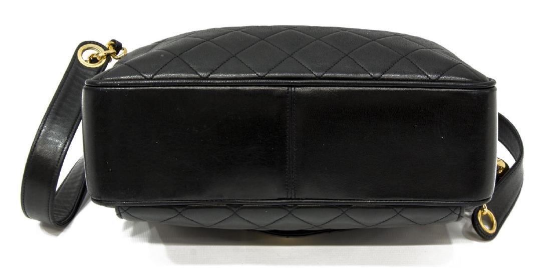 CHANEL BLACK QUILTED LEATHER SHOULDER BAG - 3