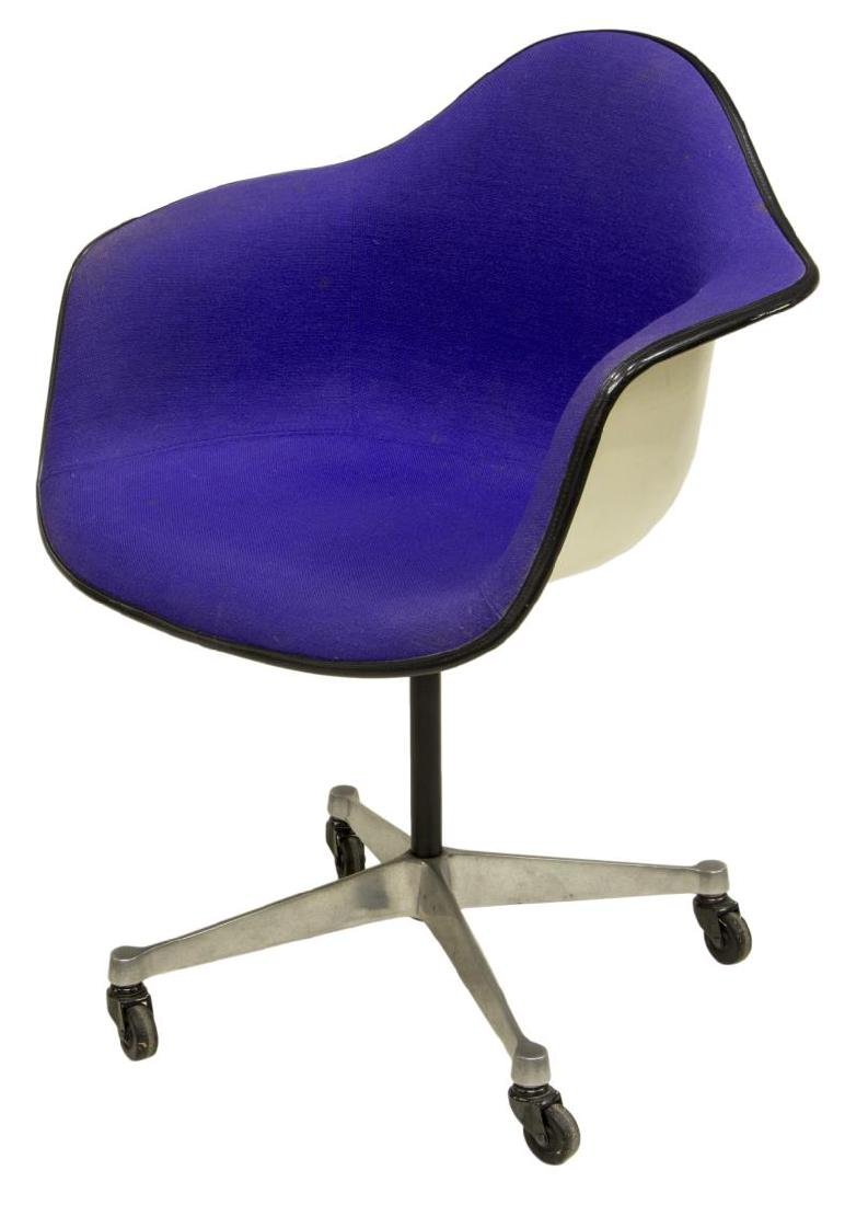 CHARLES & RAY EAMES HERMAN MILLER SHELL FORM CHAIR