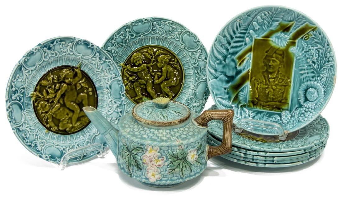 (9) MAJOLICA TEAPOT & VILLEROY AND BOCH PLATES