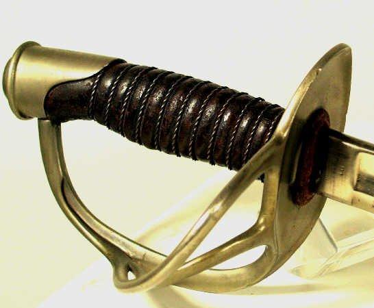 112: US LIGHT CAVALRY SABER SWORD MODEL 1860 CIVIL WAR