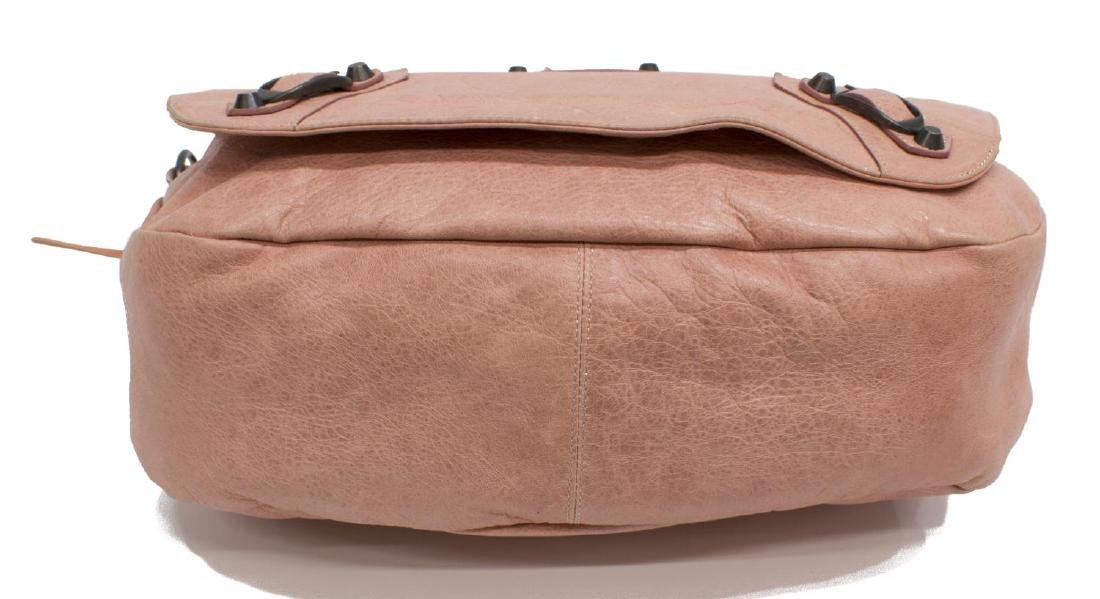 BALENCIAGA 'FOLK' PINK ARENA LEATHER MESSENGER BAG - 3