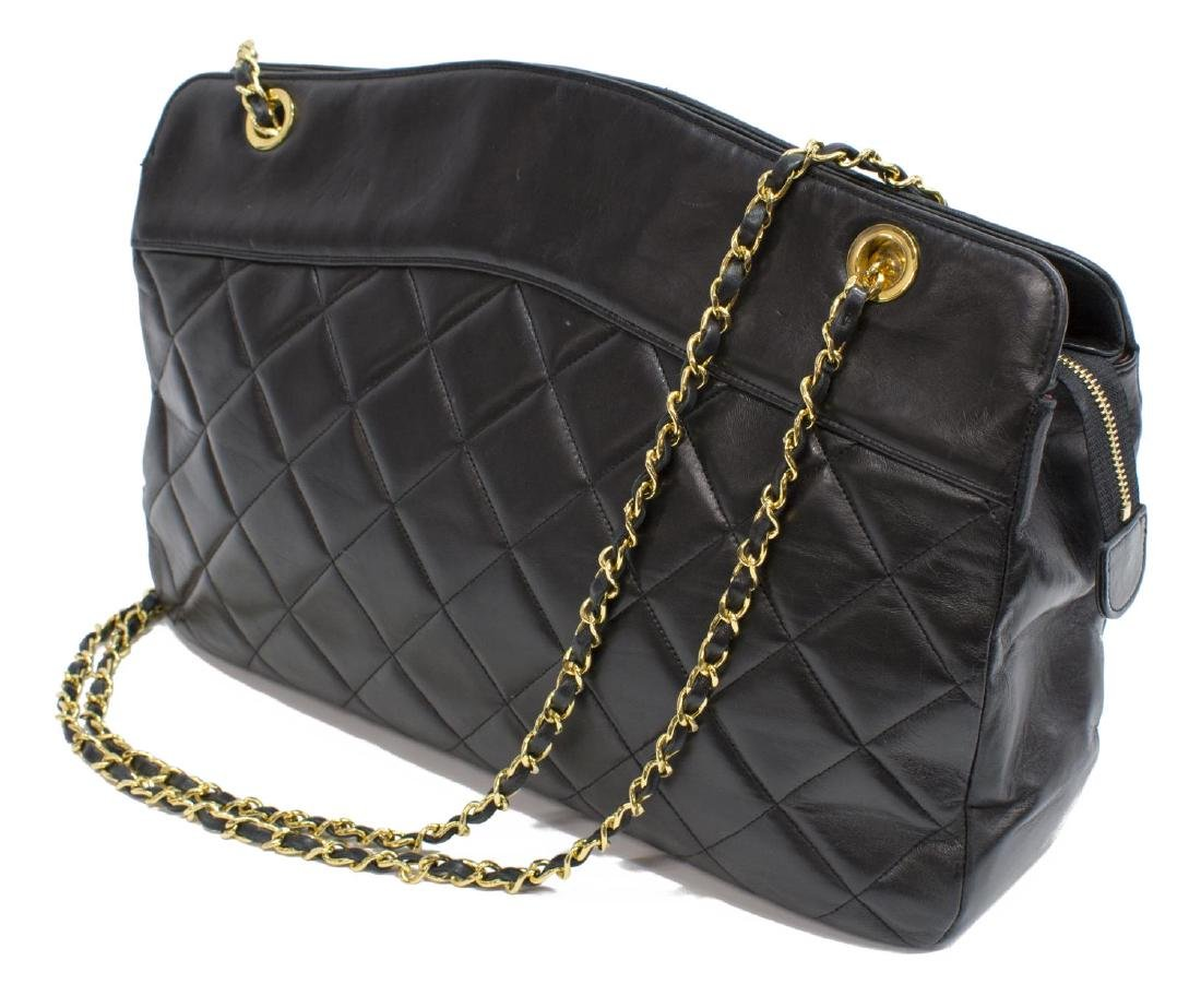 VINTAGE CHANEL BLACK QUILTED LEATHER SHOULDER BAG