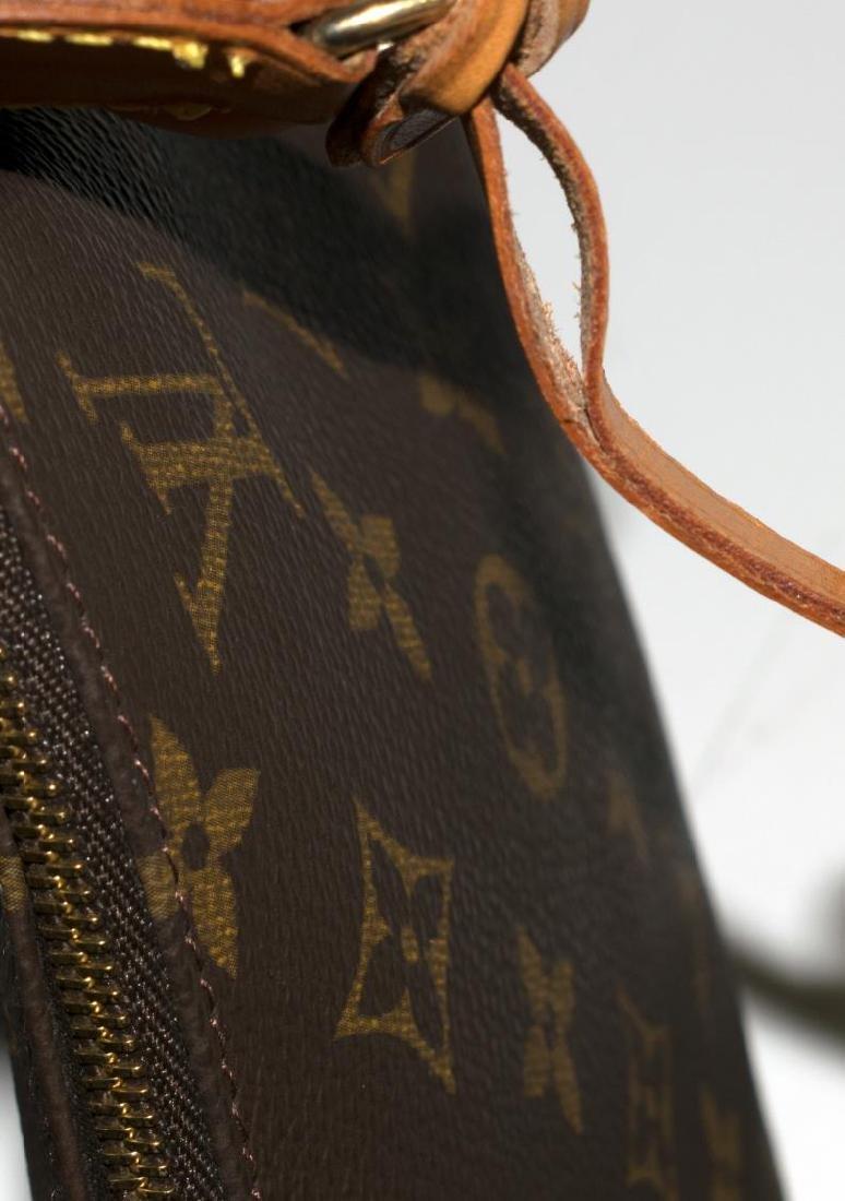 LOUIS VUITTON 'POCHETTE ACCESSOIRES' CLUTCH BAG - 5