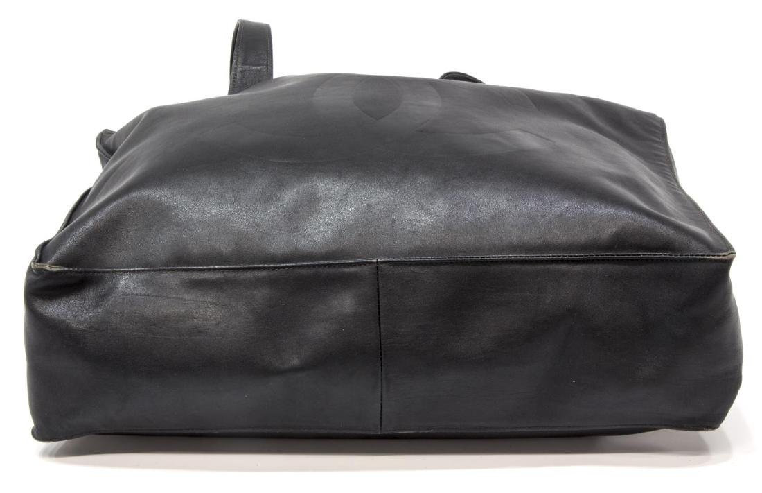 LARGE CHANEL SMOOTH BLACK LEATHER TOTE BAG - 3