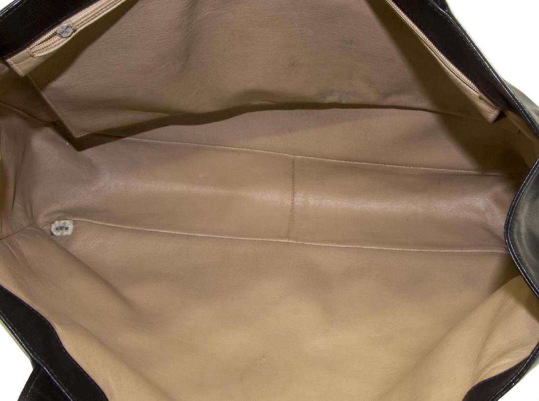 LARGE CHANEL SMOOTH BLACK LEATHER TOTE BAG - 4