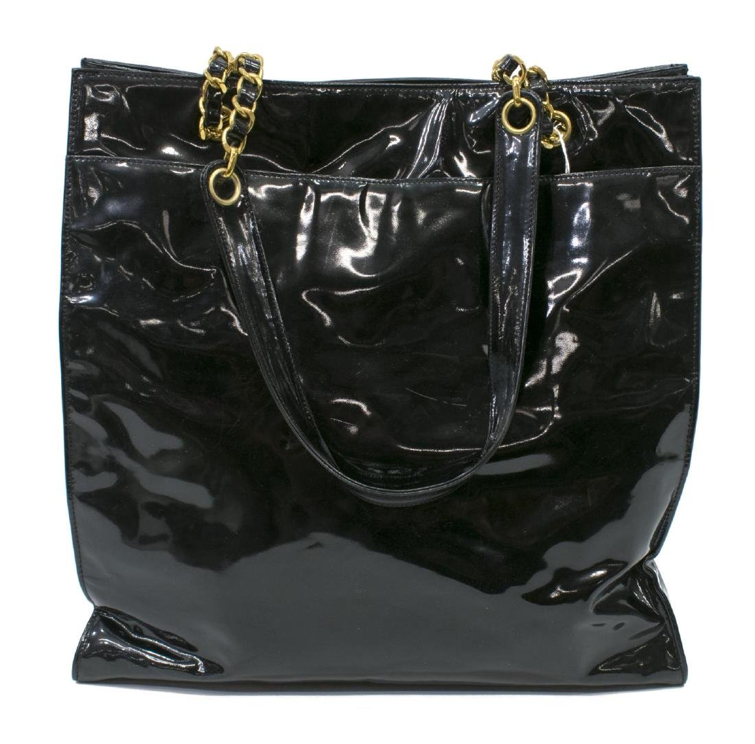 CHANEL BLACK PATENT LEATHER CC TALL TOTE BAG - 2