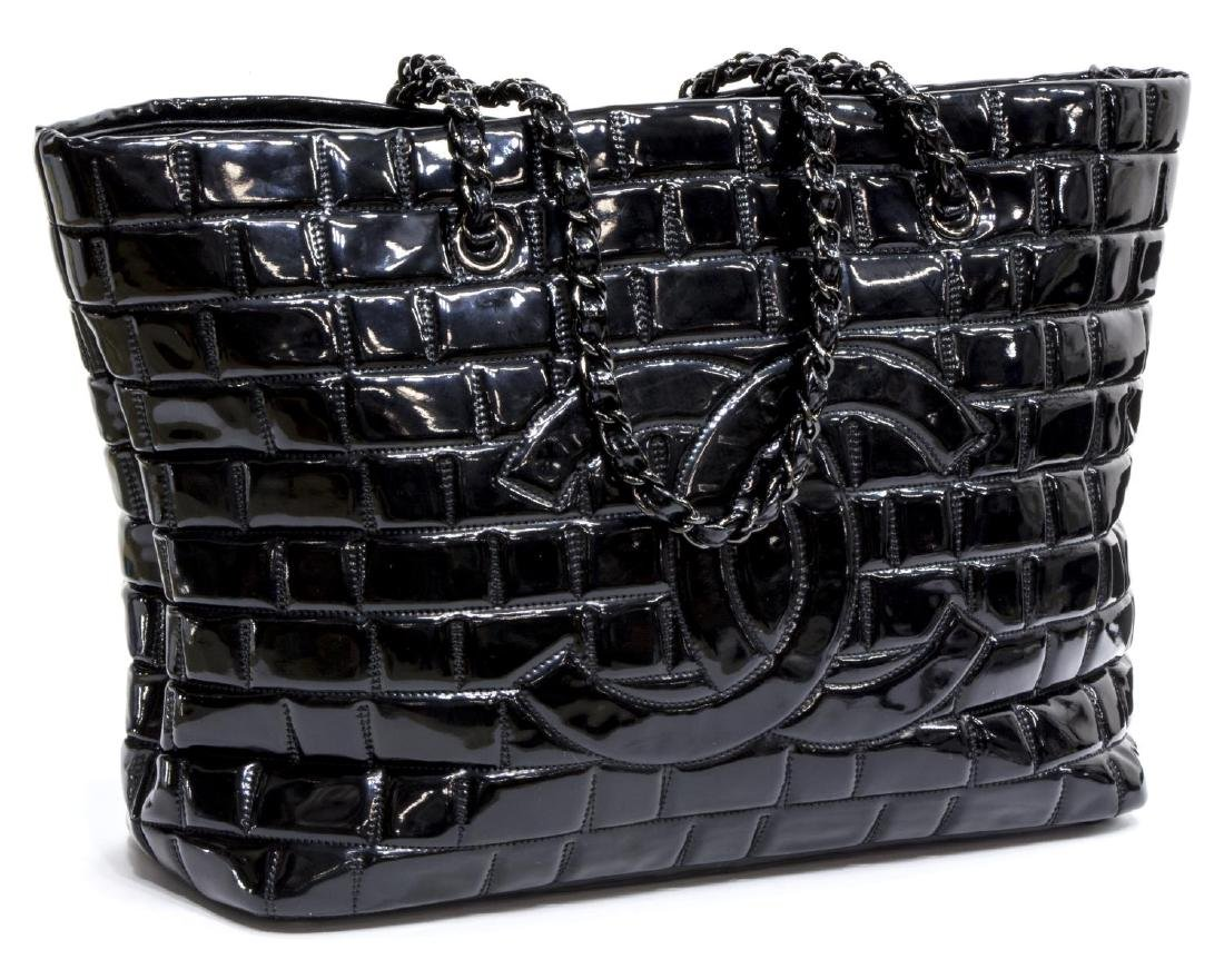 CHANEL BLACK PATENT LEATHER LARGE CC TOTE