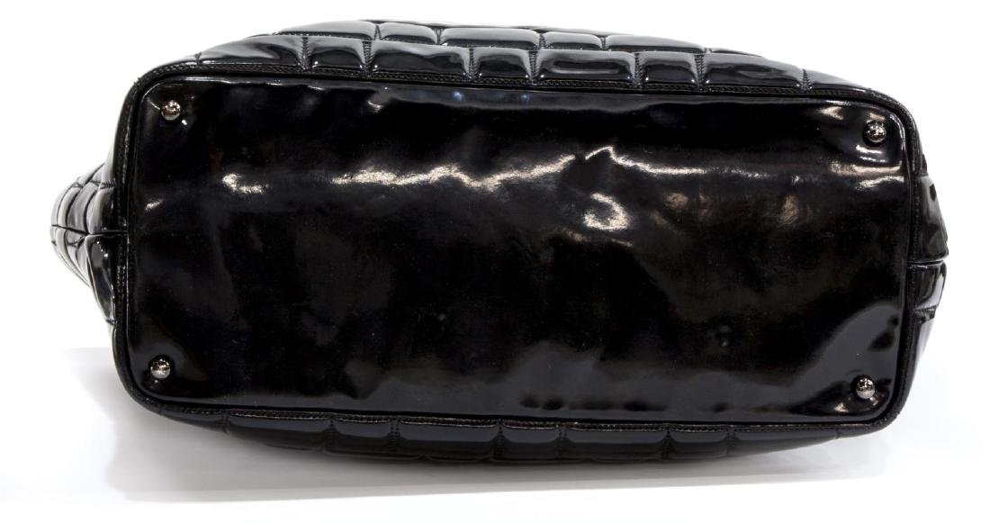 CHANEL BLACK PATENT LEATHER LARGE CC TOTE - 3