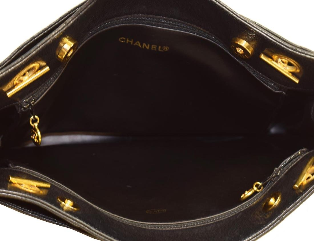 CHANEL NAVY QUILTED LEATHER SHOULDER BAG - 4