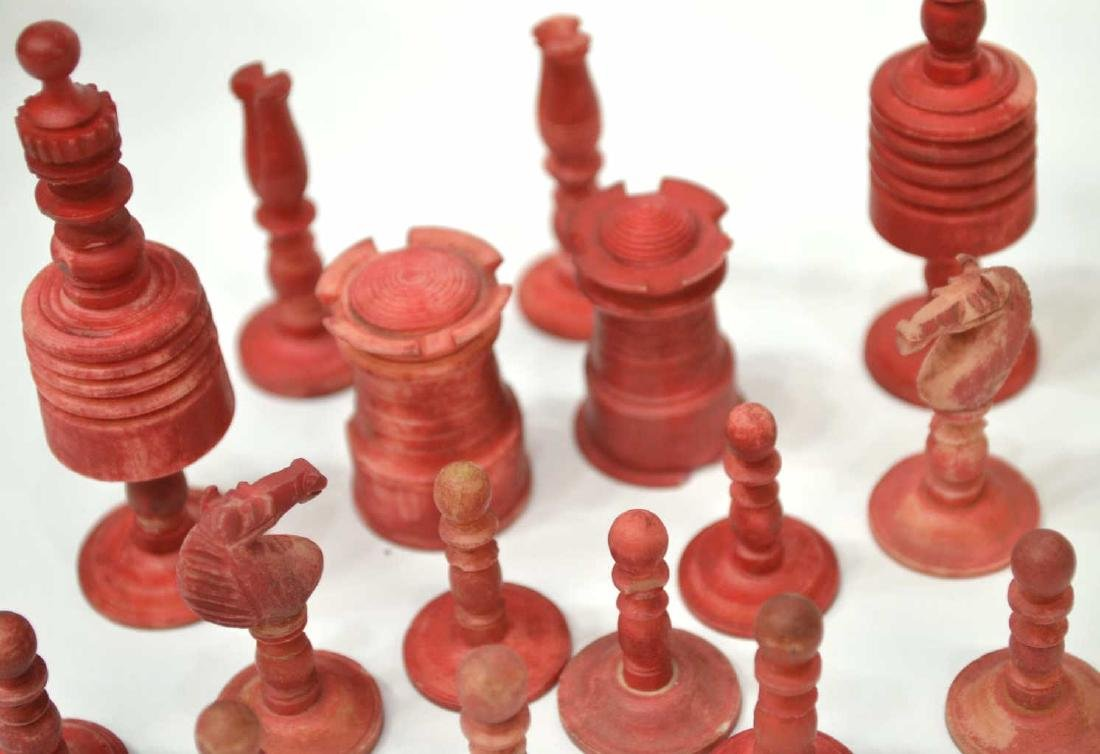 U.S. CIVIL WAR ERA CHESS SET, 32 PIECES - 4
