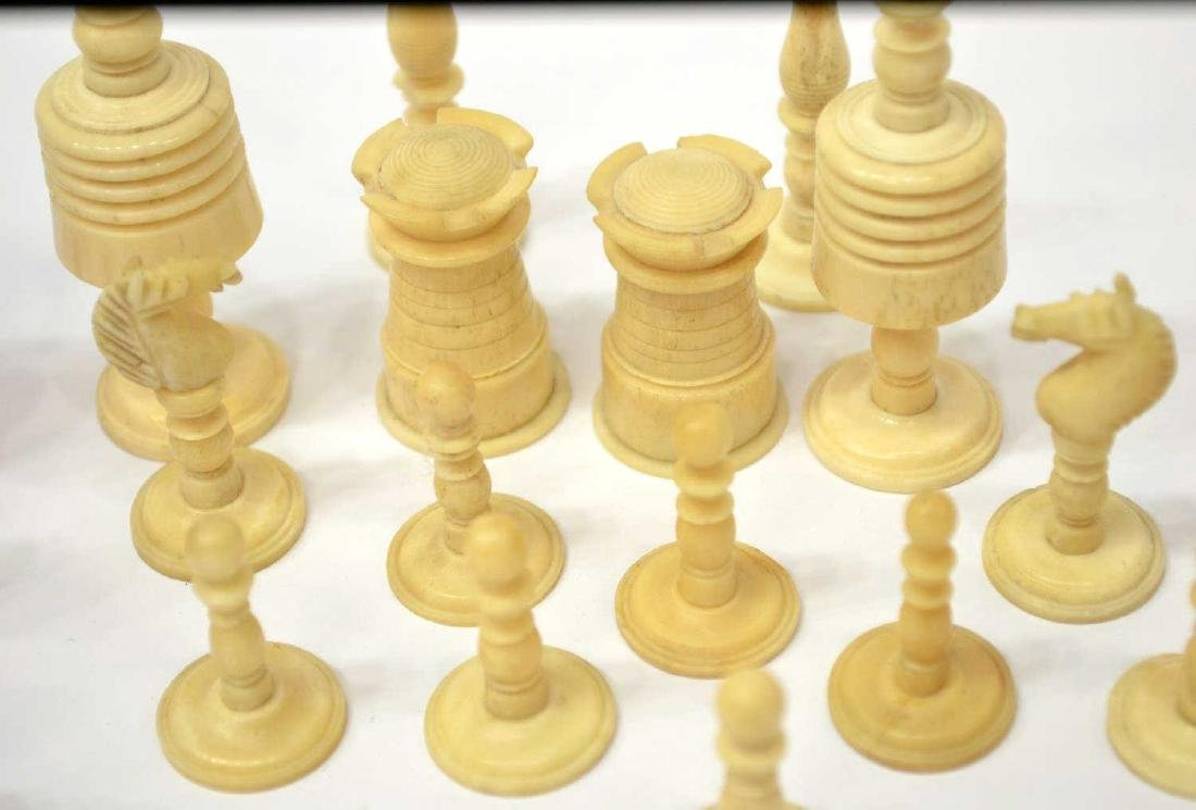U.S. CIVIL WAR ERA CHESS SET, 32 PIECES - 6