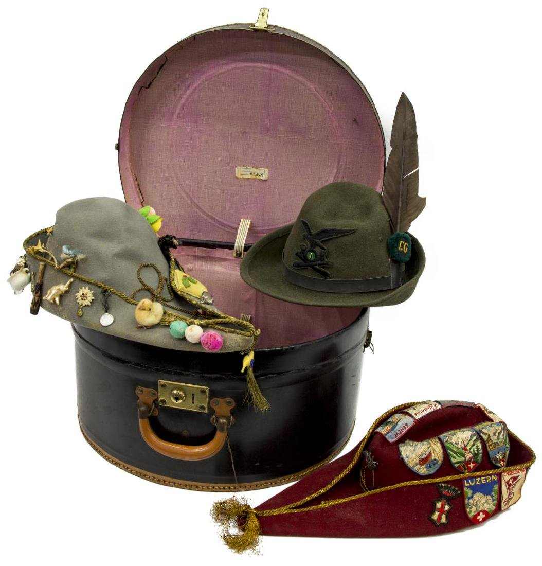 (4) CONTINENTAL HAT BOX WITH WOOL HATS