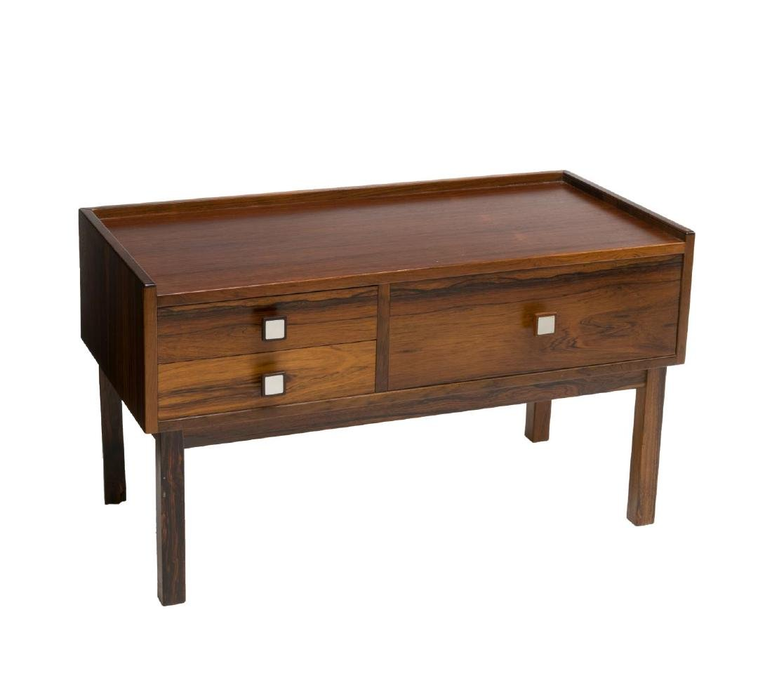 SMALL DANISH MID-CENTURY ROSEWOOD LOW TABLE /CHEST