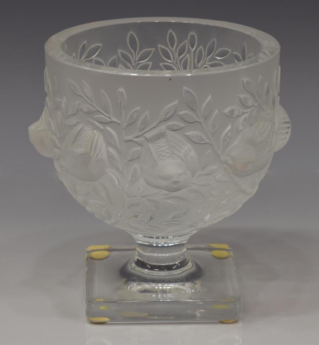 LALIQUE FRANCE 'ELISABETH' FROSTED CRYSTAL VASE - 2