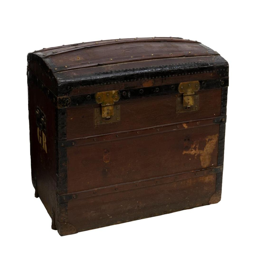 ITALIAN DOME-TOP TRAVELING TRUNK - 2