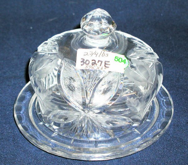 """504: CRYSTAL COVERED BUTTER DISH 5.5""""H X 6""""D WEIGHT:2.7"""