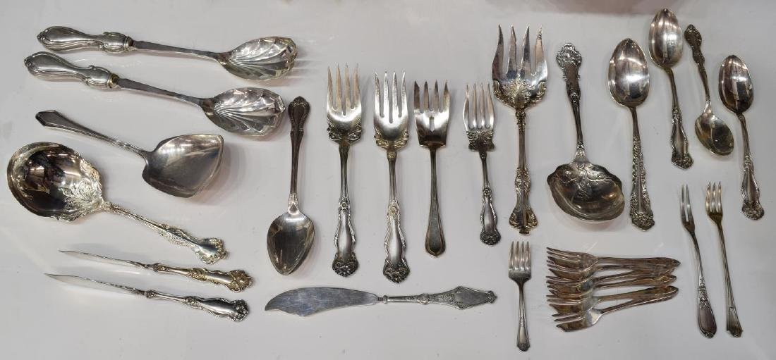 (LOT) GROUP OF SILVERPLATE FLATWARE & TABLEWARE - 4