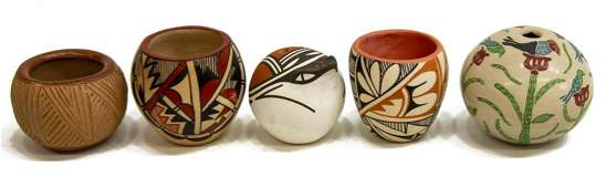 5 COLLECTION OF SMALL NATIVE AMERICAN POTTERY