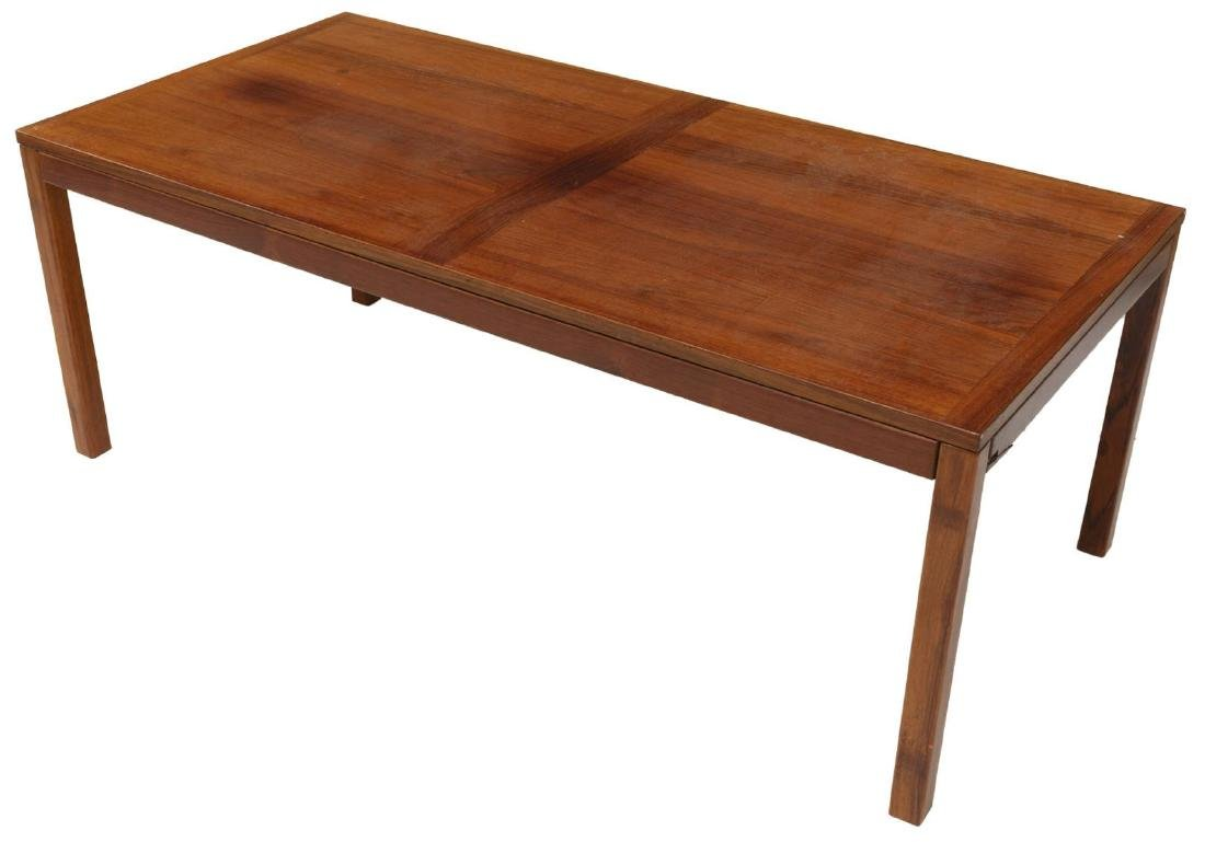 DANISH MID-CENTURY MODERN ROSEWOOD COFFEE TABLE