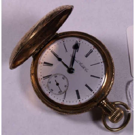 16: TWO OPERATING POCKET WATCHES ONE HUNTER CASE 18