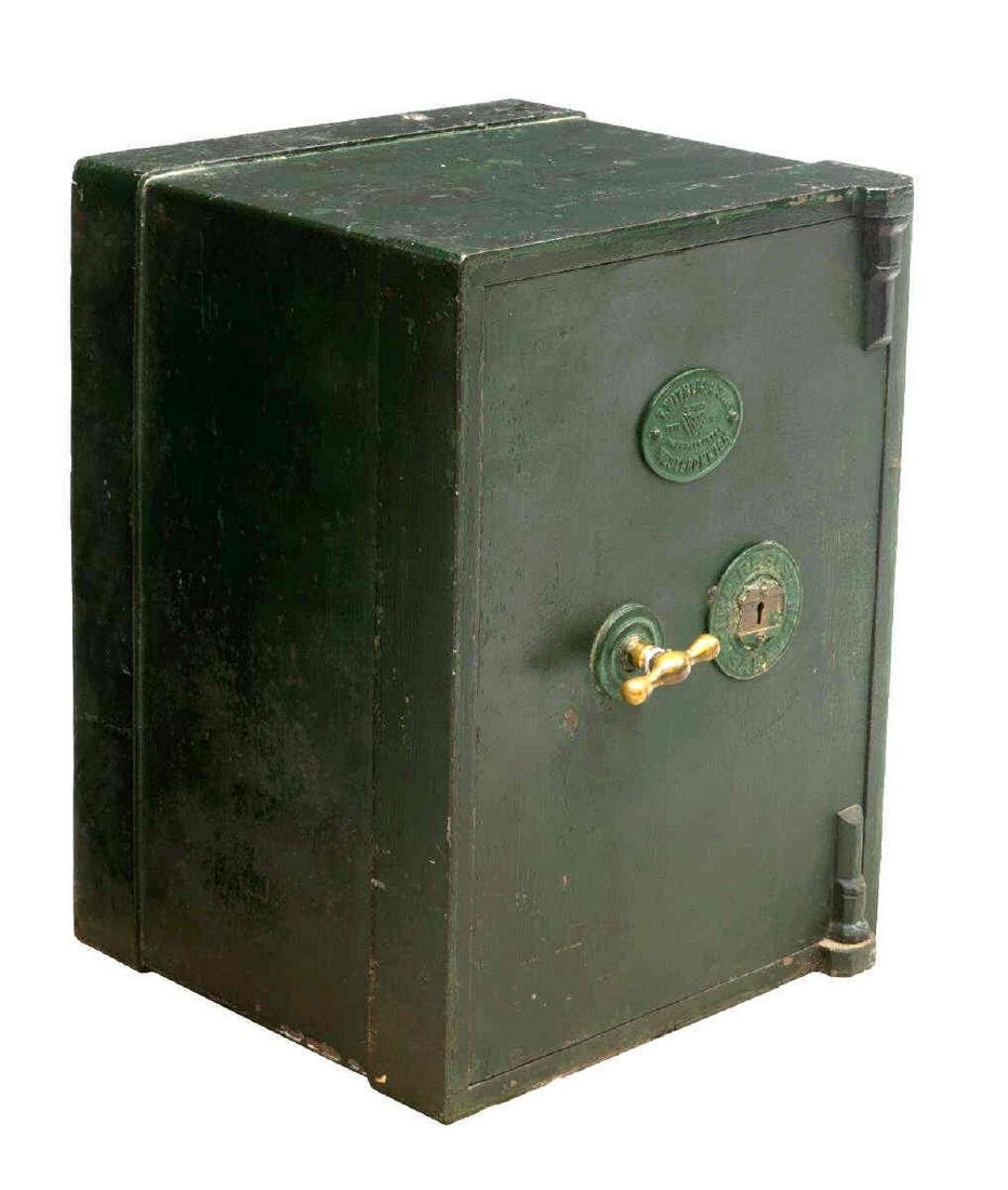 ENGLISH T. WITHERS & SON IRON KEY LOCK SAFE
