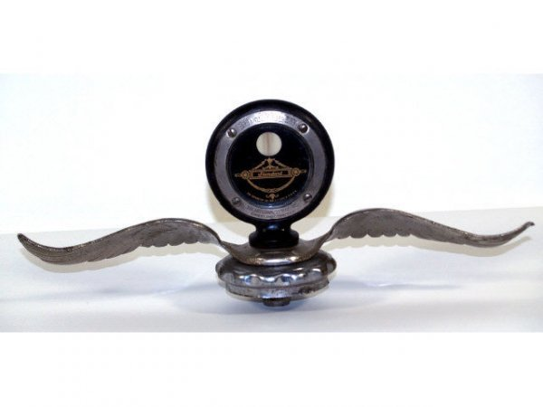 515: VINTAGE BOYCE MOTO-METER RADIATOR CAP WITH WINGS