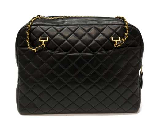 b35bebf20e534d CHANEL VINTAGE QUILTED BLACK LEATHER ZIP TOTE BAG