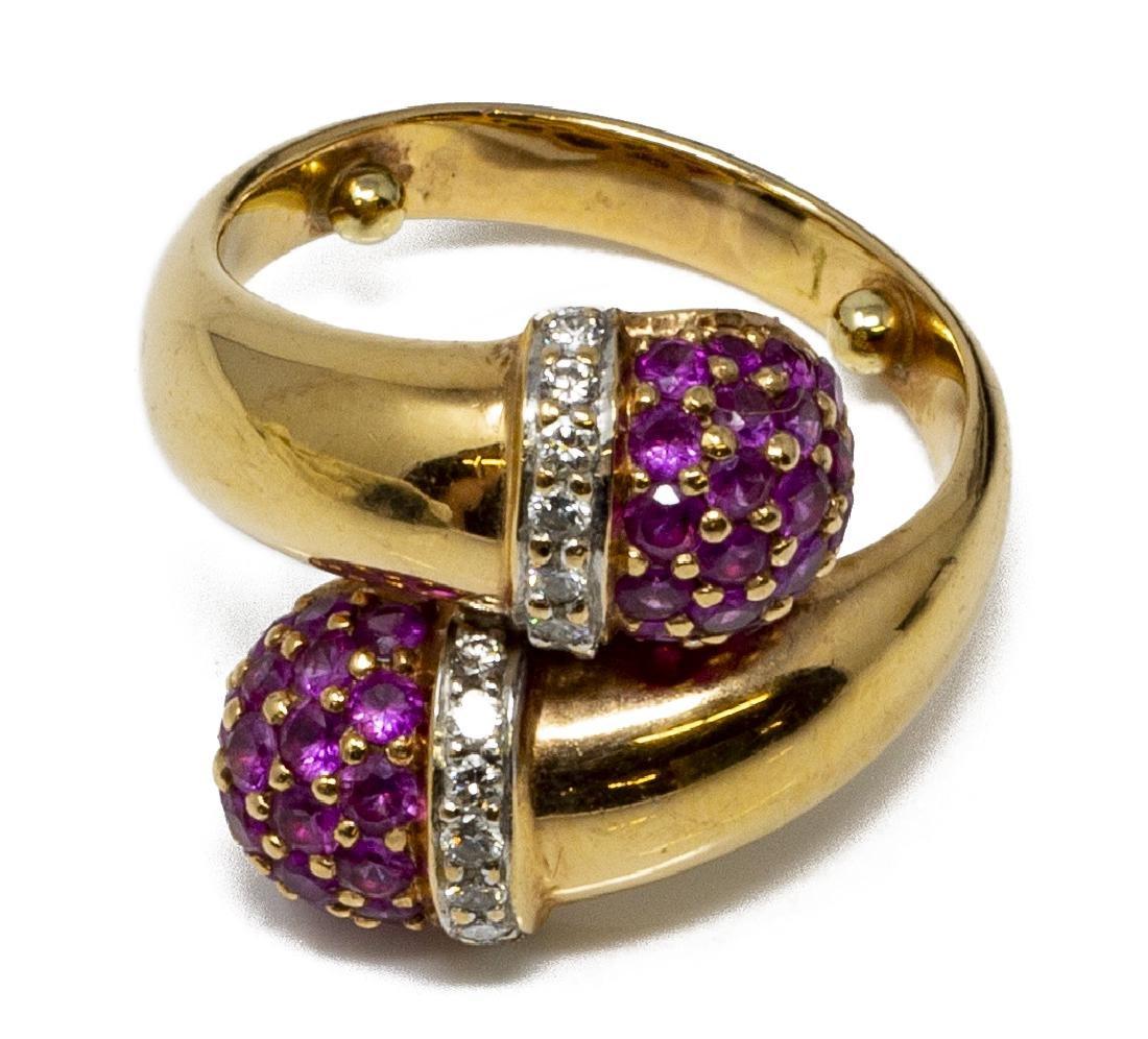 ESTATE 18KT GOLD, RUBY & DIAMOND DESIGN RING - 3