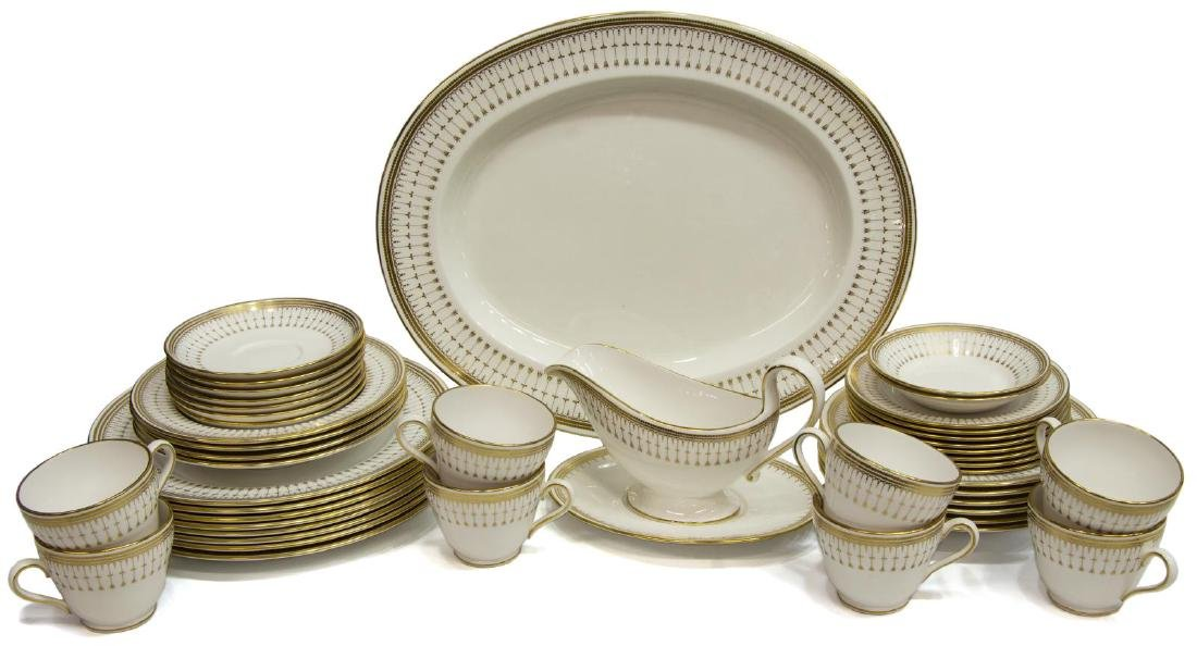 (46) SPODE 'QUEEN'S GATE' CHINA DINNER SERVICE