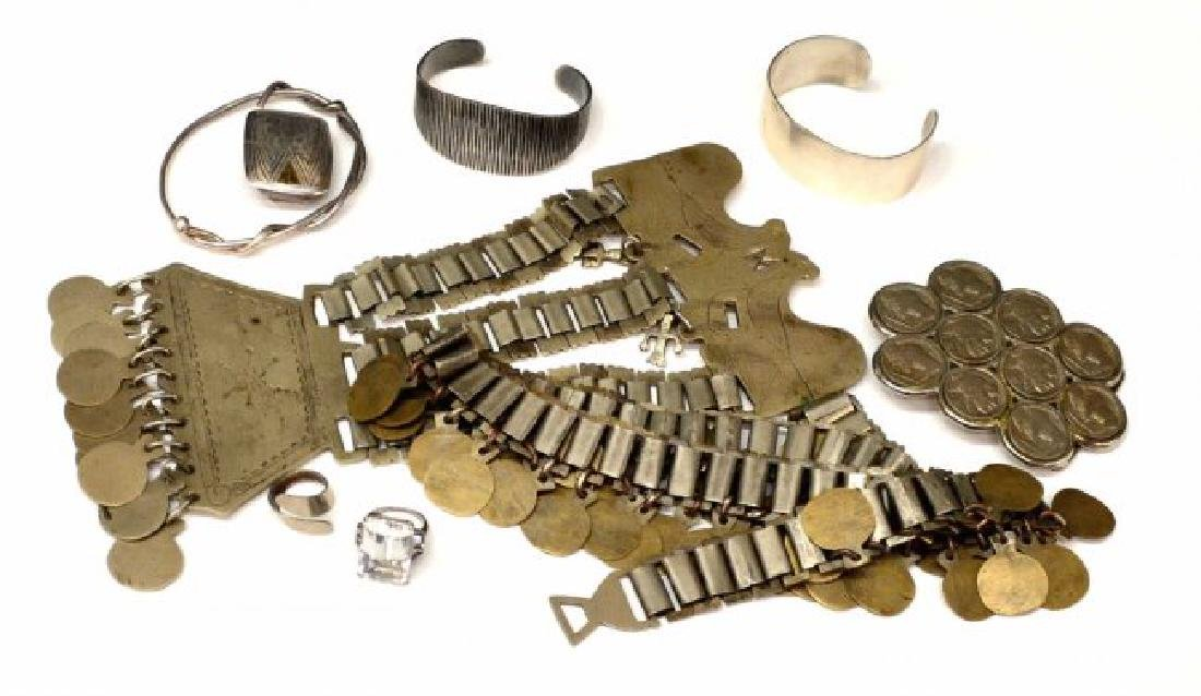 LOT) COLLECTION OF STERLING SILVER & METAL JEWELRY
