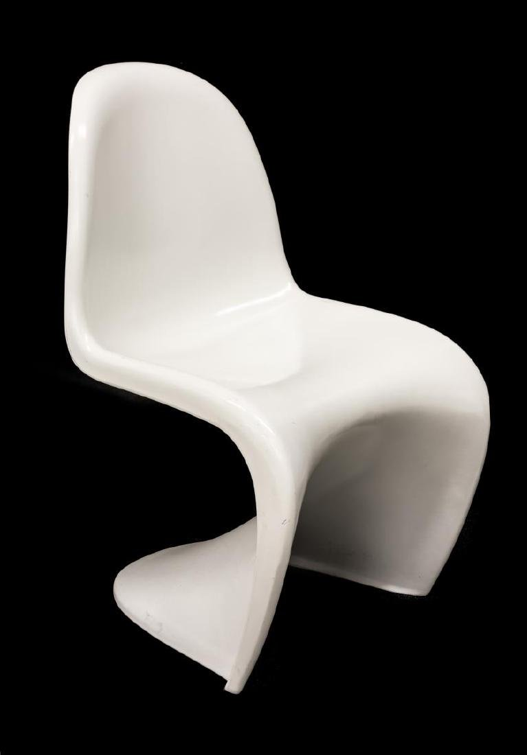 (6) MODERNIST CHAIRS STYLE OF VERNER PANTON - 3