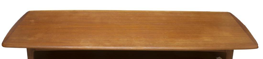 DANISH MID-CENTURY MODERN TEAKWOOD COFFEE TABLE - 3