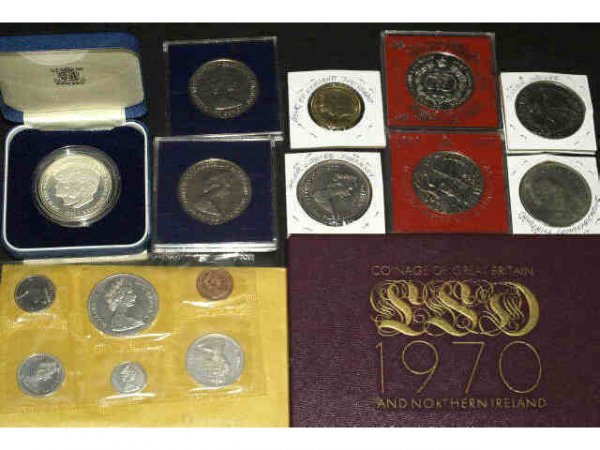 16: LOT OF FOREIGN COINS SILVER, UNCIRCULATED, PROOF
