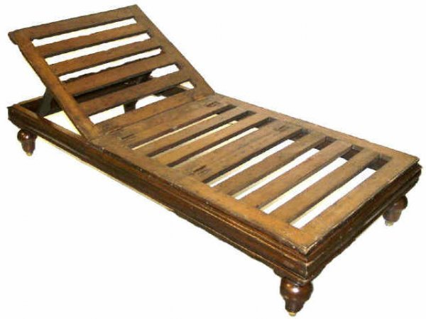 229: BRITISH COLONIAL CAMPAIGN MAHOGANY DAY BED LOUNGER