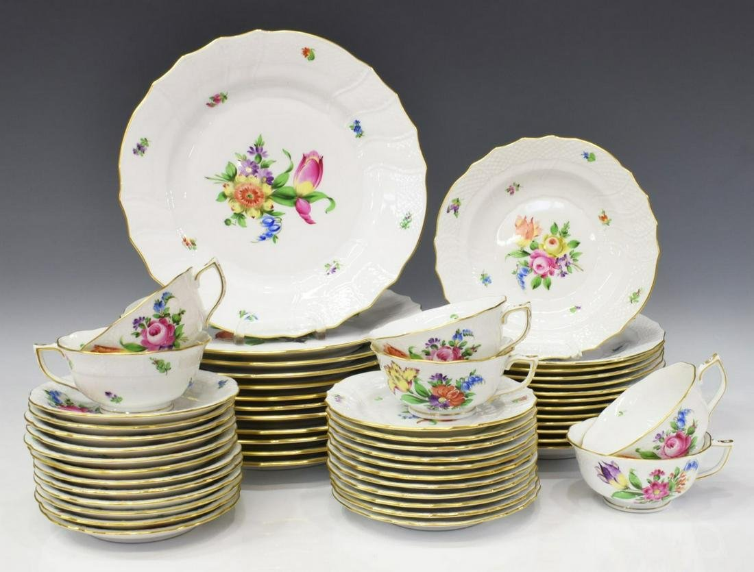 (55) HEREND 'PRINTEMPS' PARTIAL DINNER SERVICE