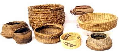 81: GROUPING OF NATIVE AMERICAN & OTHER BASKETRY