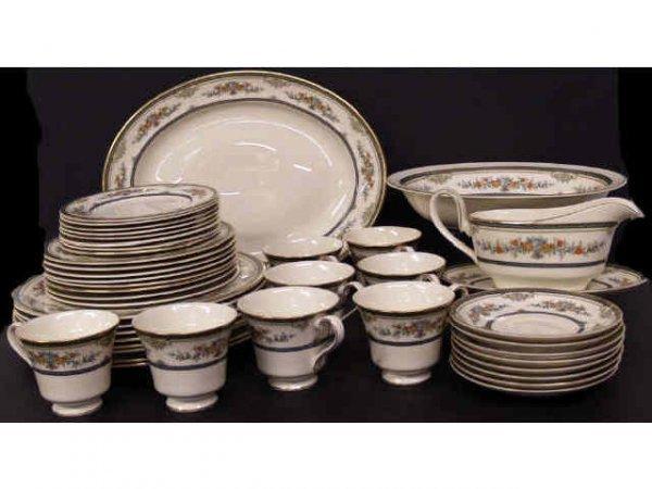 192: 44 PIECE MINTON STANWOOD BONE CHINA DINNER SERVICE