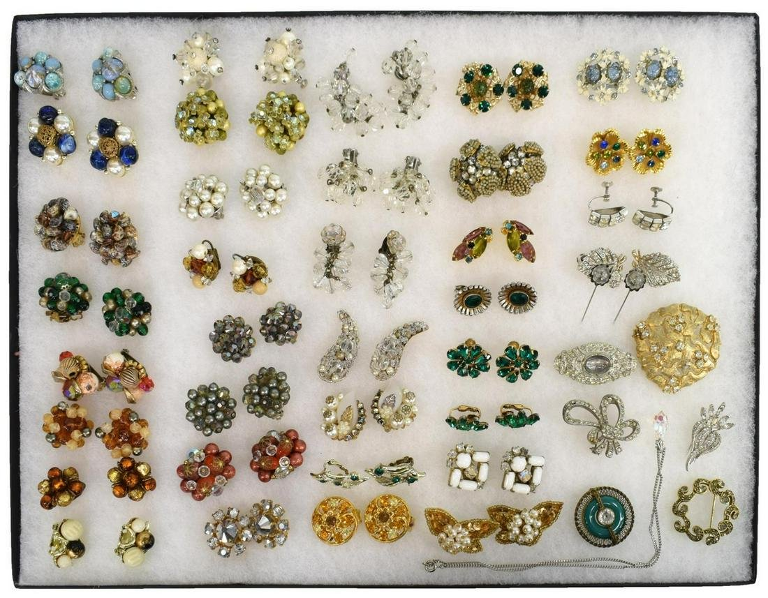 (LOT) VINTAGE COSTUME JEWELRY, EARRINGS, SIGNED