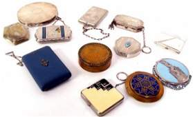 609 GROUP OF VINTAGE COMPACTS  PURSES STERLING SILVER
