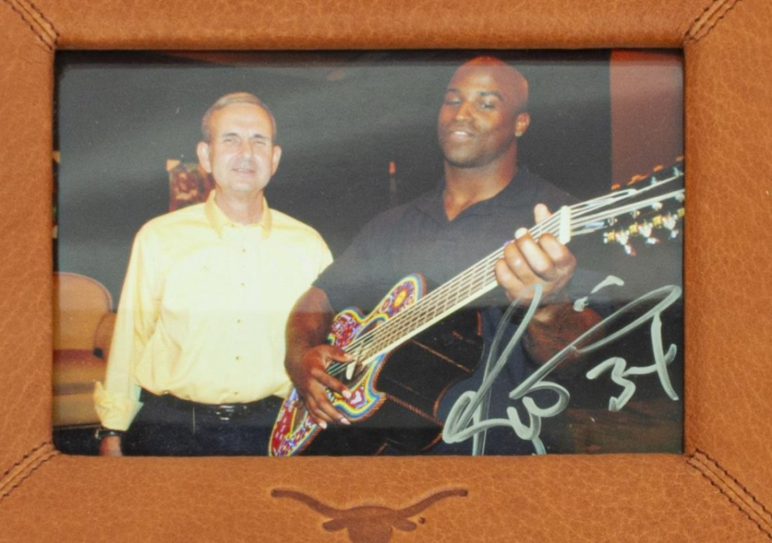 (7) RICKY WILLIAMS SIGNED ITEMS, GUITAR, PHOTO