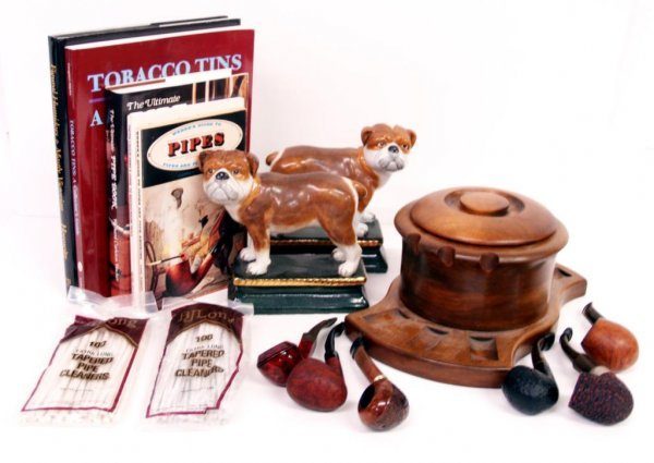 115: TOBACCO & SMOKING COLLECTION PIPES, BOOKS, HUMIDOR