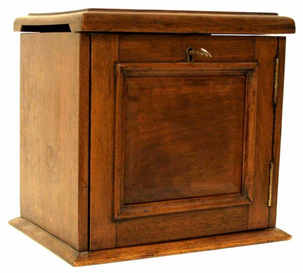124: ANTIQUE MAHOGANY PIPE TOBACCO SMOKERS CABINET