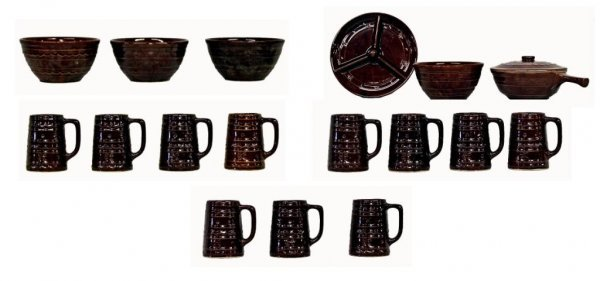 604: COLLECTION OF HULL ART POTTERY MARCREST PATTERN