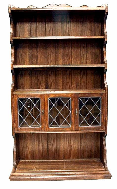 50: ETHAN ALLEN ROYAL CHARTER OAK LEAD GLASS BOOKCASE