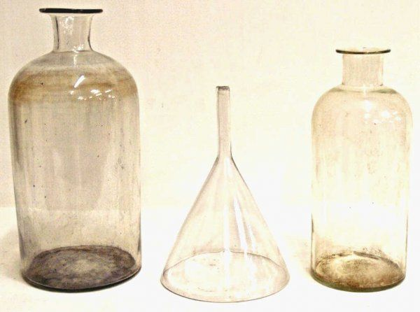 535: LARGE ANTIQUE SPAIN APOTHECARY BOTTLES & FUNNEL