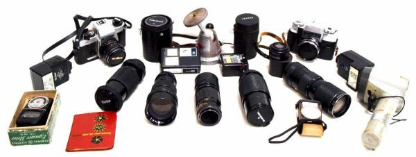 728: TWO VINTAGE CAMERAS & ASSORTED TELEPHOTO LENS
