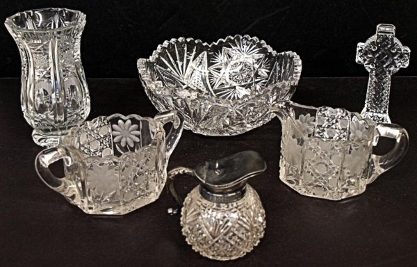 10: ASSORTED CUT CRYSTAL TABLE ARTICLES, WATERFORD