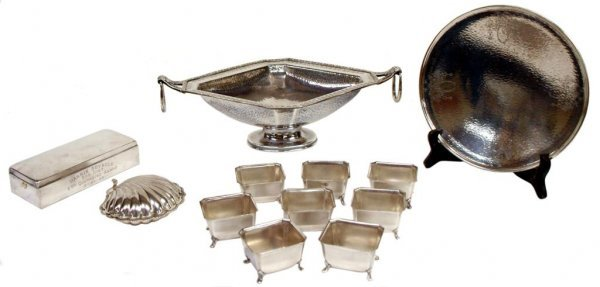 LARGE GROUPING OF SILVER PLATE TABLE ARTICLES