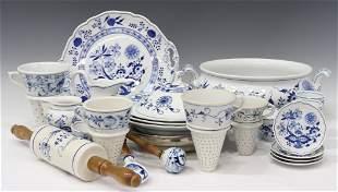 23) BLUE ONION STYLE PORCELAIN SERVICE & TABLEWARE