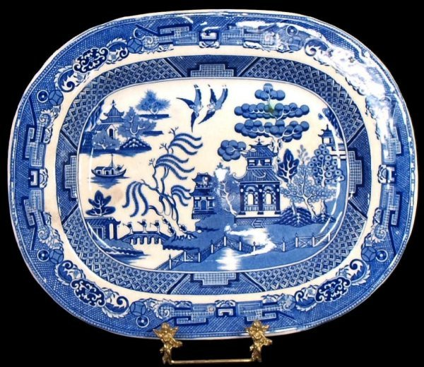 COLLECTION OF ENGLISH & DUTCH BLUE WILLOW CHINA - 2